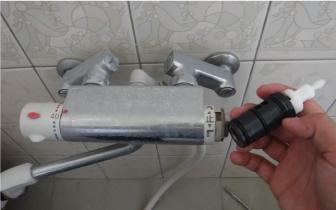 風呂サーモ水栓 切り替えハンドルの部品交換 水回りのトラブル