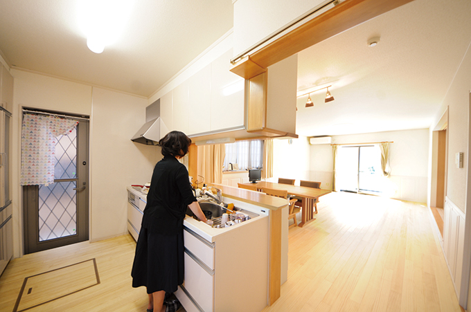 リフォーム施工実績 温水床暖房 ユカカラ暖房 キッチン アフター