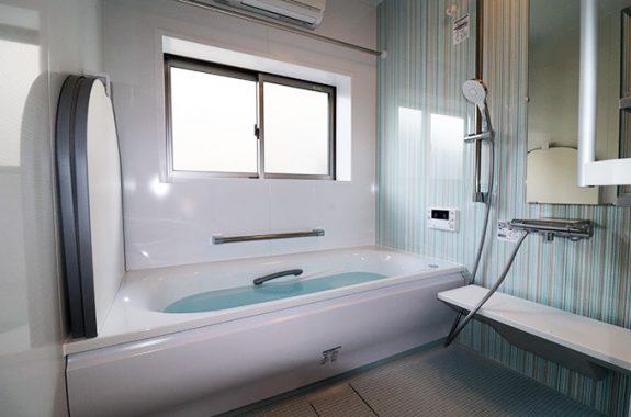 リフォーム事例 白蟻の被害を受け、浴室、脱衣所を改修